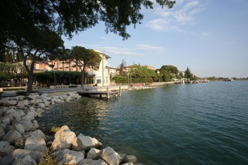 https://metasearch.in-lombardia.it/mss/mss_renderimg.php?id=40371&src=3c3f7e9c4d1e1d0301b87d1b07163dd5.jpg