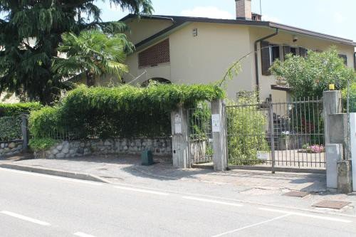 https://metasearch.in-lombardia.it/mss/mss_renderimg.php?id=41241&src=251e94bf669bc8d436ec60550ee46c14.jpg