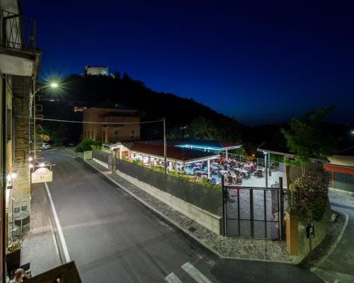 https://metasearch.in-lombardia.it/mss/mss_renderimg.php?id=42558&src=7dd2a4eabe82e7cf03d2bcf4b3d60f81.jpg