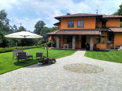 https://metasearch.in-lombardia.it/mss/mss_renderimg.php?id=42730&src=ffa270722342865bbe49a22ee9c616f5.jpg