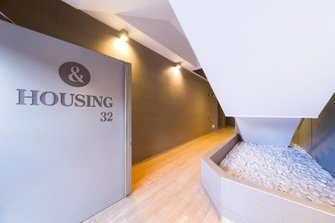 HOUSING 32