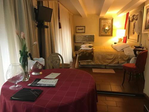 https://metasearch.in-lombardia.it/mss/mss_renderimg.php?id=45009&src=8f64beabb7d08ced47781e08cbc1bc38.jpg