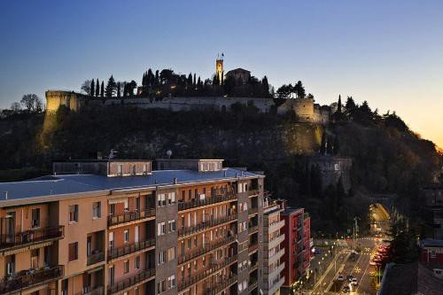 https://metasearch.in-lombardia.it/mss/mss_renderimg.php?id=45812&src=c30be331505999ffd7e2bfff7a2e39f8.jpg