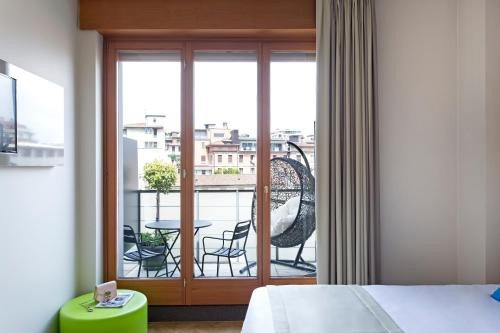 https://metasearch.in-lombardia.it/mss/mss_renderimg.php?id=47427&src=7d873c0775bf6ea68e0b1515491fb3bf.jpg