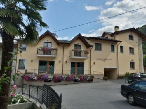 https://metasearch.in-lombardia.it/mss/mss_renderimg.php?id=47453&src=e62aed77885637d5f18bba1e319a2fc7.jpg