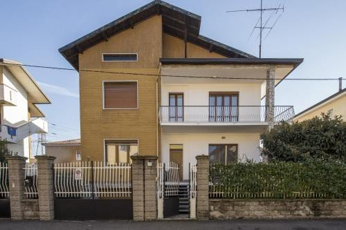 https://metasearch.in-lombardia.it/mss/mss_renderimg.php?id=47568&src=e211c77bfcb9345806db9d742ba42af7.jpg