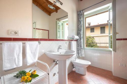 https://metasearch.in-lombardia.it/mss/mss_renderimg.php?id=48549&src=ef5ae098fe60a3c1bf2b1f7d5adf0cbe.jpg