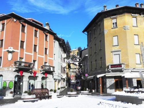 https://metasearch.in-lombardia.it/mss/mss_renderimg.php?id=48891&src=648dfcaff53771257686254aae1659ab.jpg