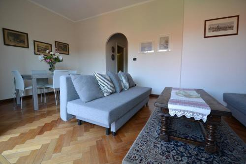 https://metasearch.in-lombardia.it/mss/mss_renderimg.php?id=51298&src=8eaa4dfbbd8d2fdf3ab9f7a33543a9cb.jpg