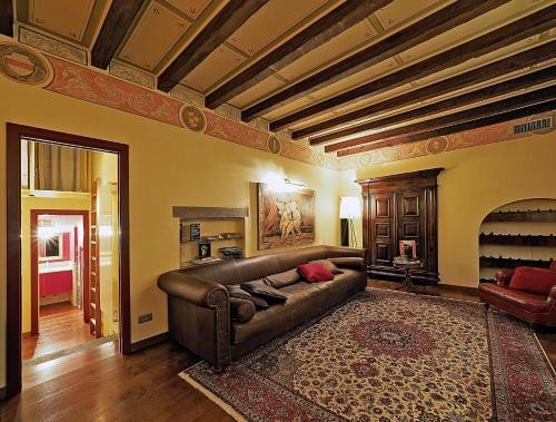 https://metasearch.in-lombardia.it/mss/mss_renderimg.php?id=52424&src=f9d4b0711e8cb3c2d86ef0523e259ce7.jpg