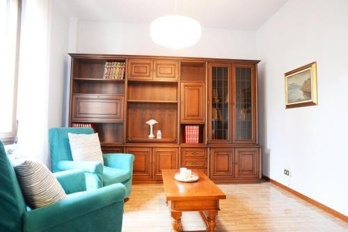 https://metasearch.in-lombardia.it/mss/mss_renderimg.php?id=55290&src=45c0bccd092958fb2048939f9ce62c08.jpg