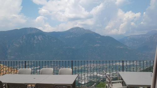 https://metasearch.in-lombardia.it/mss/mss_renderimg.php?id=59018&src=0e06f8a94843005d0e5ff361562652bb.jpg
