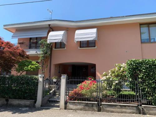 https://metasearch.in-lombardia.it/mss/mss_renderimg.php?id=60705&src=a19cc79dda9b8bec902f202c820e9d9c.jpg